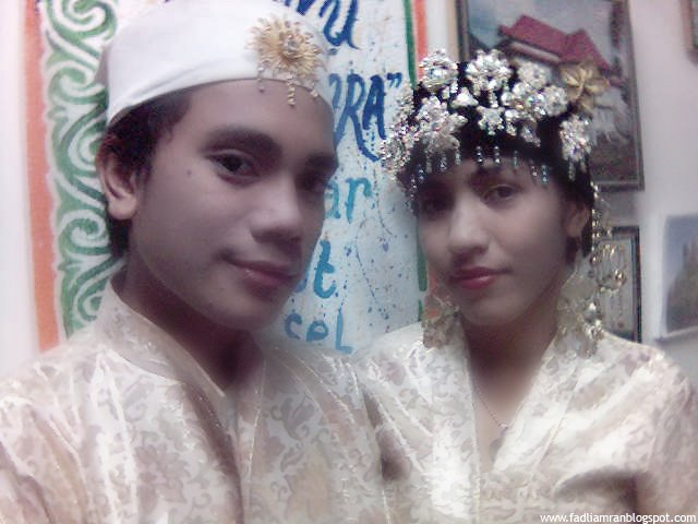 Traditional Dress/Wedding Dress Of Tribes in Indonesia ...