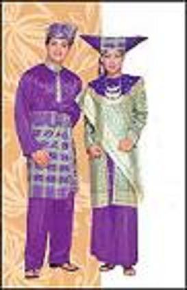pakaian adat sumatra barat1 Pakaian Tradisional Nusantara II (Sumatera)