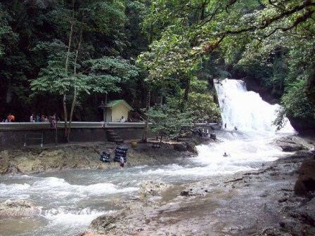 [bantimurung-waterfall.jpg]