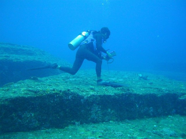 Yonaguni Monument (The Mysterious Underwater Structure) (1/6)